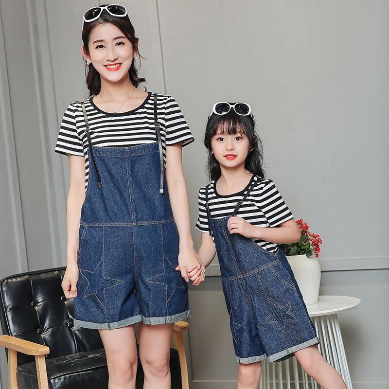 Одинаковая одежда для мамы и дочки сына футболка с подтяжками для маленьких девочек и мать Комбинезоны для малышек ma e filha Джинсы для женщин ...