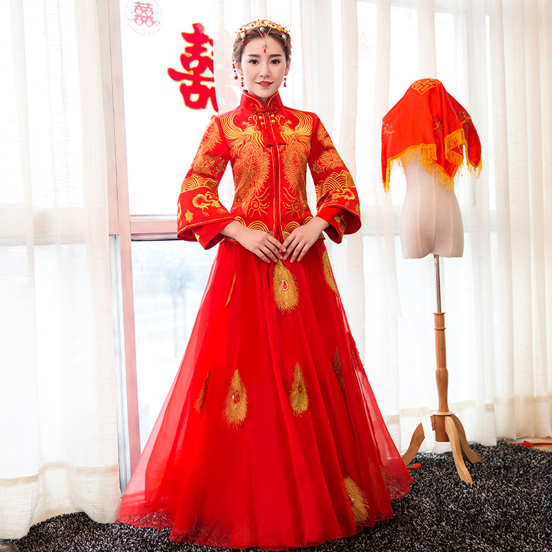 Wedding Gown Fashion Show: New Chinese Red Qipao Clothing Show Autumn Bride Wedding