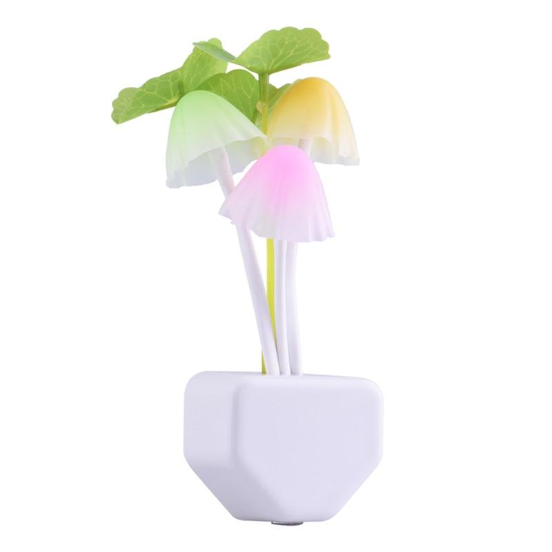 Romantica Colorful LED 110-220 V 3 LED Fungo Luce di Notte Bed Lamp Casa Illuminazione sensore di Luce automatico di avvio UE Spina DEGLI STATI UNITI