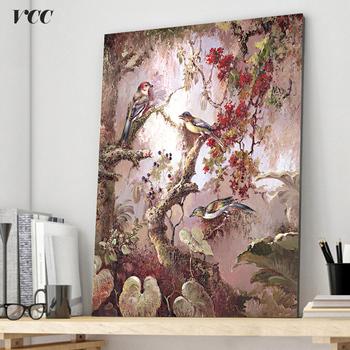 Cuadro de pájaros en ramas de árboles con flores.