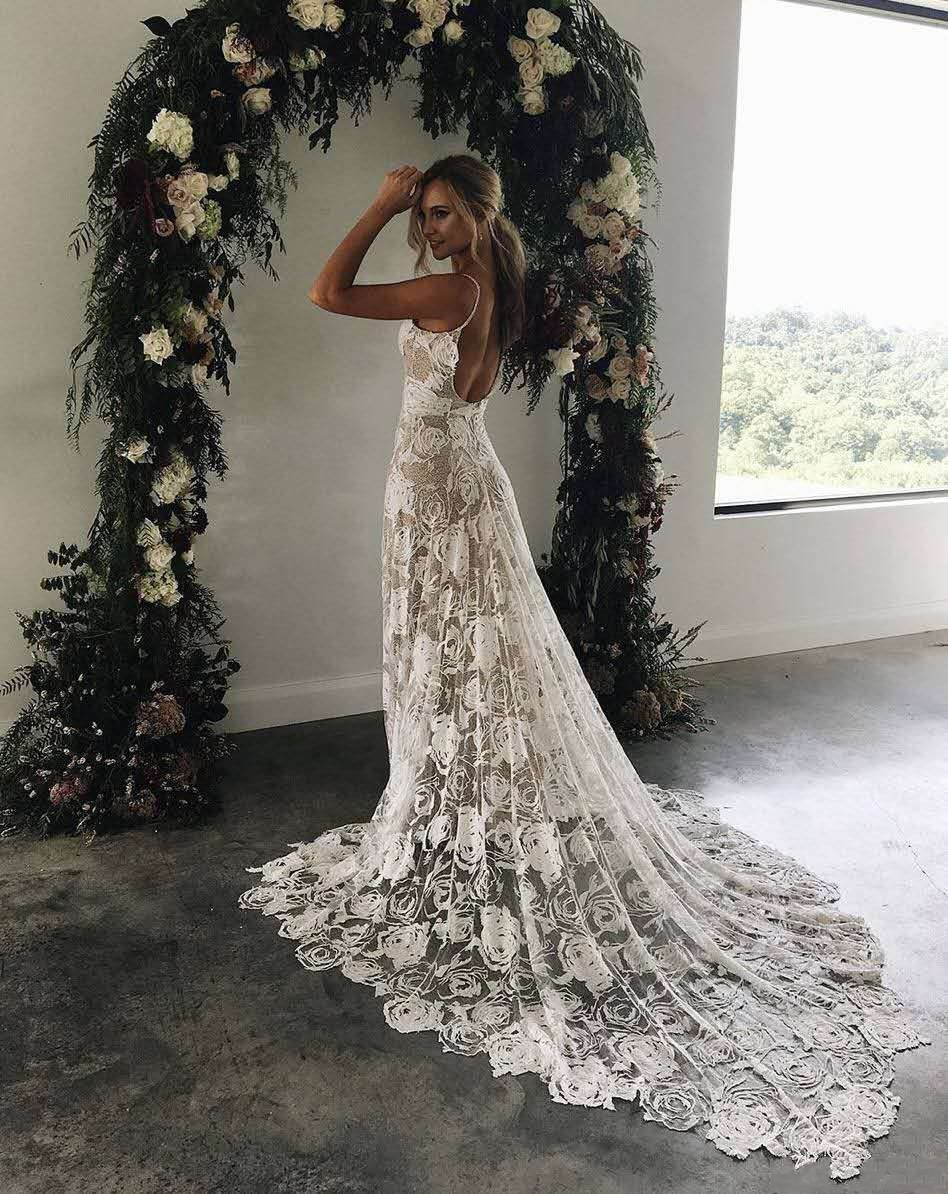 Charming Lace Boho Beach Wedding Dress 2019 Sexy Backless Spaghetti Straps Vestido De Noiva Vintage Bohemia Wedding G