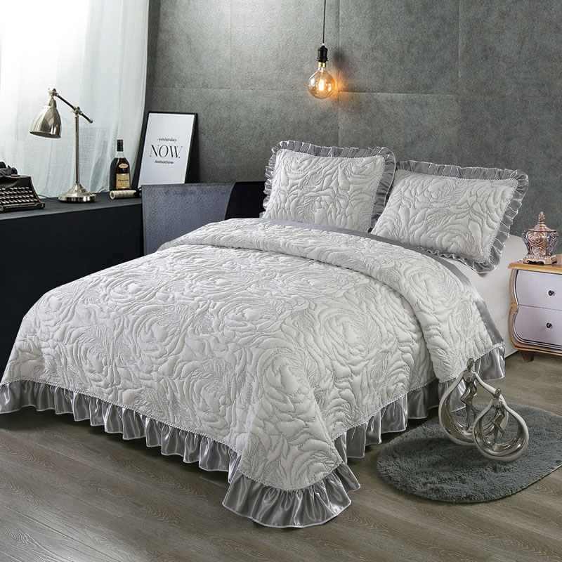 Gray White Luxury 3D European Style High Quality Comfortable Soft Cotton Thick Blanket Lace Bedspread Bed sheet pillowcases 3pcsGray White Luxury 3D European Style High Quality Comfortable Soft Cotton Thick Blanket Lace Bedspread Bed sheet pillowcases 3pcs