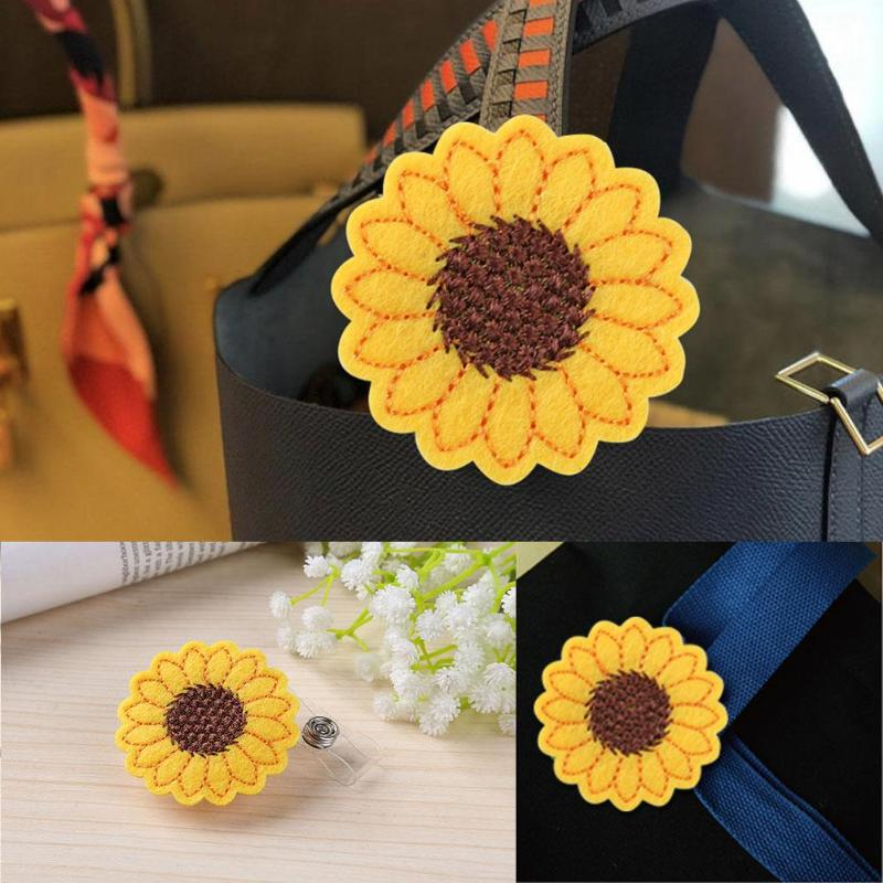 2019 Newst ID Card Holder Sunflower Anti-Lost For Children Old Men Keychain Buckle Pull Chain Badge Buckle Book Clip Universal