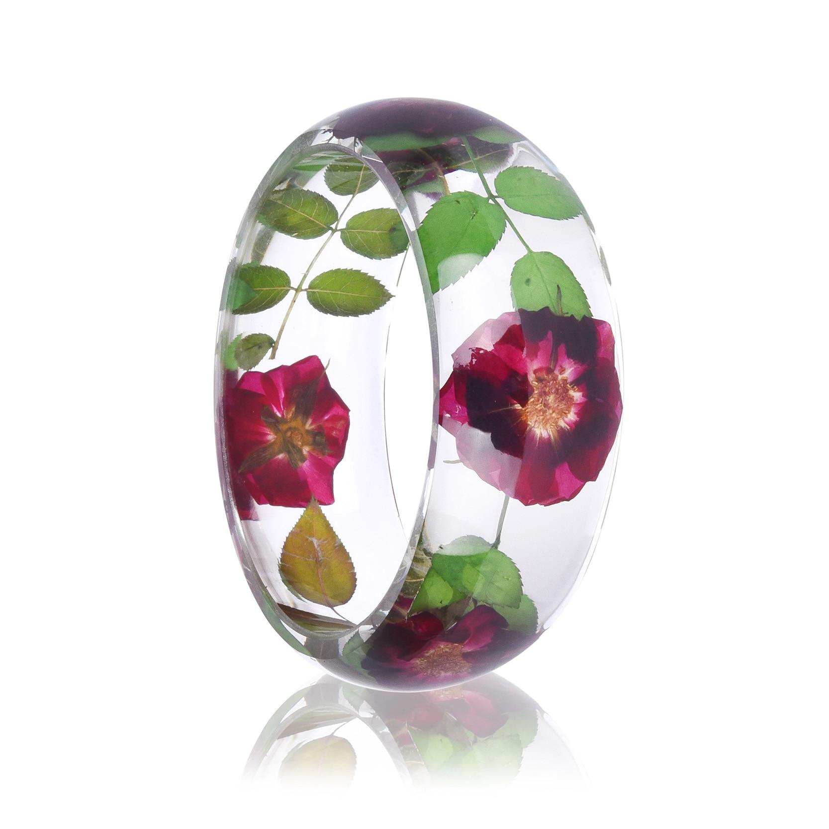 все цены на 2018 Hot Sale Trendy Rose Resin Bangle Green Leaf Bracelet Real Dried Flower Handmade Bracelet Transparent Jewelry Girls