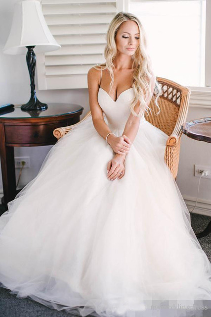 2016 Beach Summer Simple Wedding Dresses Plus Size Bridal Gowns ...