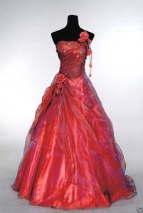 Image 2 - ANGELSBRIDEP כתף אחת Quinceanera שמלות 15 מפלגה סקסי עבודת יד פרח מקיר לקיר באורך טול 16 Vestido נשף מתוק שמלת