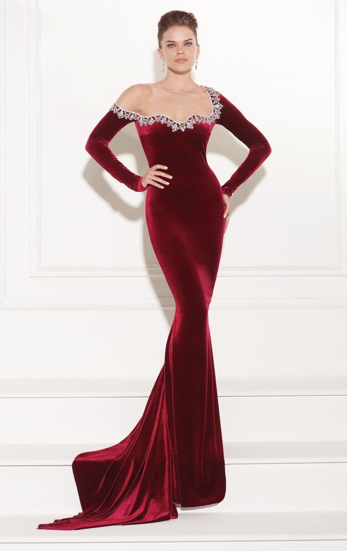 2016 Long Sleeve Dark Red Velvet Prom Dresses Gowns Beaded Neckline