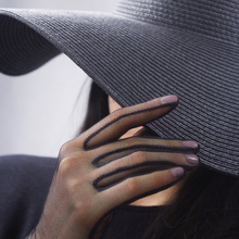 2018 Hot Women Elegant Black Silk Short Gloves Bud Yarn Ultra-Thin Retro Perspective Touch Screen TB41