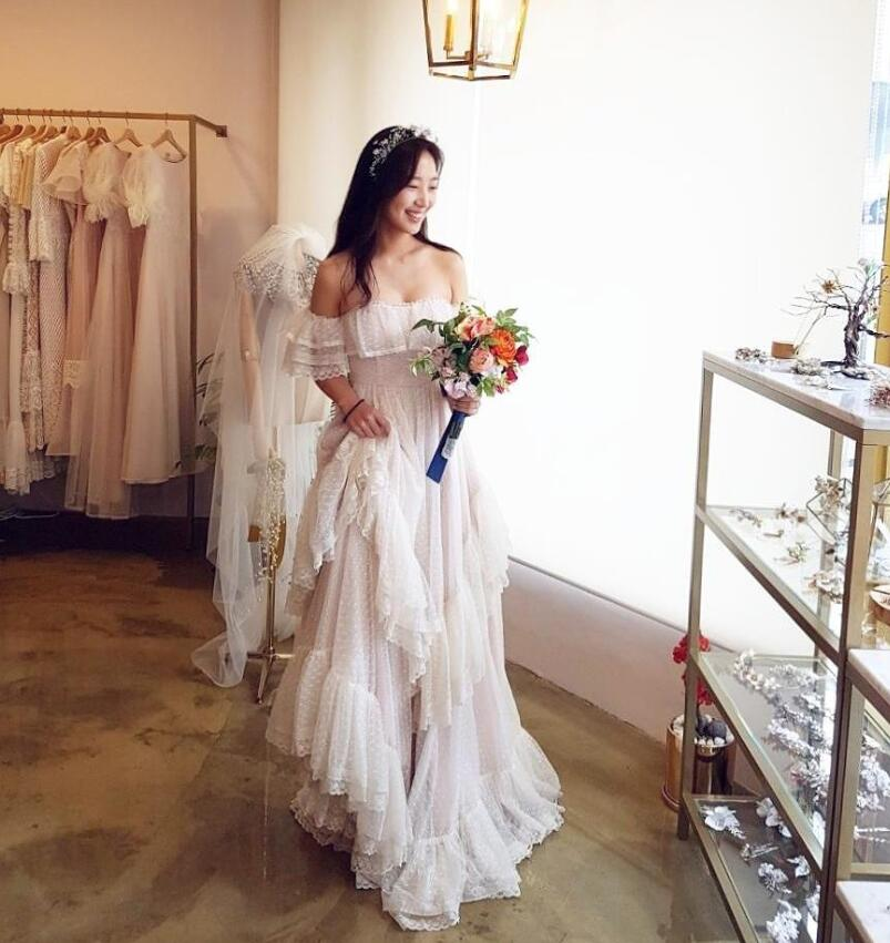 77f02507a3e4 White Dot Tulle Wedding Dresses Hippie Style GYPSY Bridal Gowns 2018 Lace  Summer Bohemian Vestido De Noiva ZW069