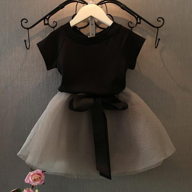2017 New Spring Girls Clothes Set Short Sleeve V-Neck Black Shirt & Lace Mesh White Girl Tutu Skirt Baby Girl Clothes Set