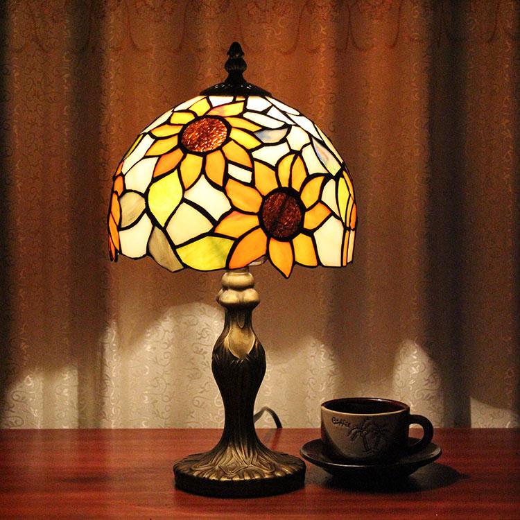 Здесь продается  European Creative Glass Table Lamps Countryside Children Bedroom Bedside Study Pastoral Study Coffee Bar Table Lights  Свет и освещение