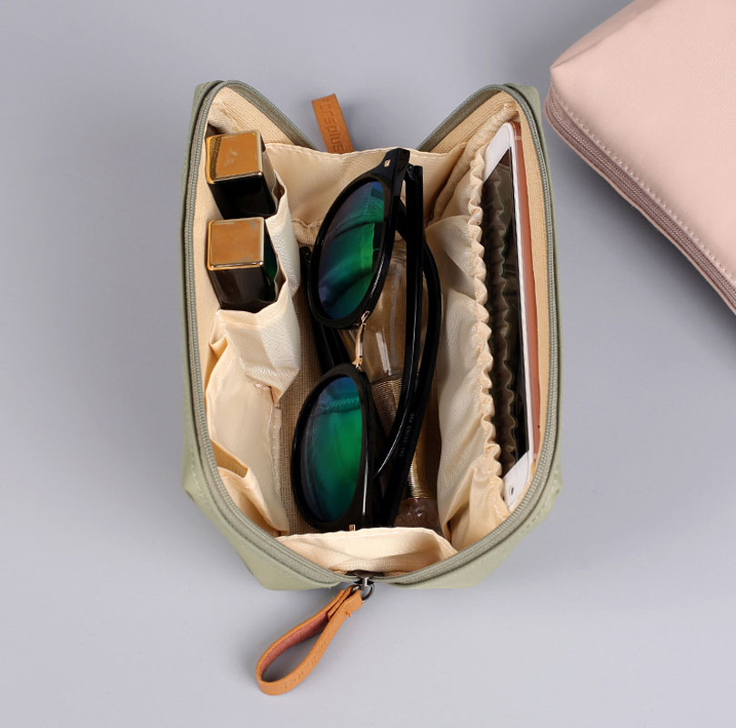 Women Cosmetic Bag Make Up Bag Korean Fashion Travel Wash Pouch Portable Cosmetic Organizer neceser for Ladies Beauty