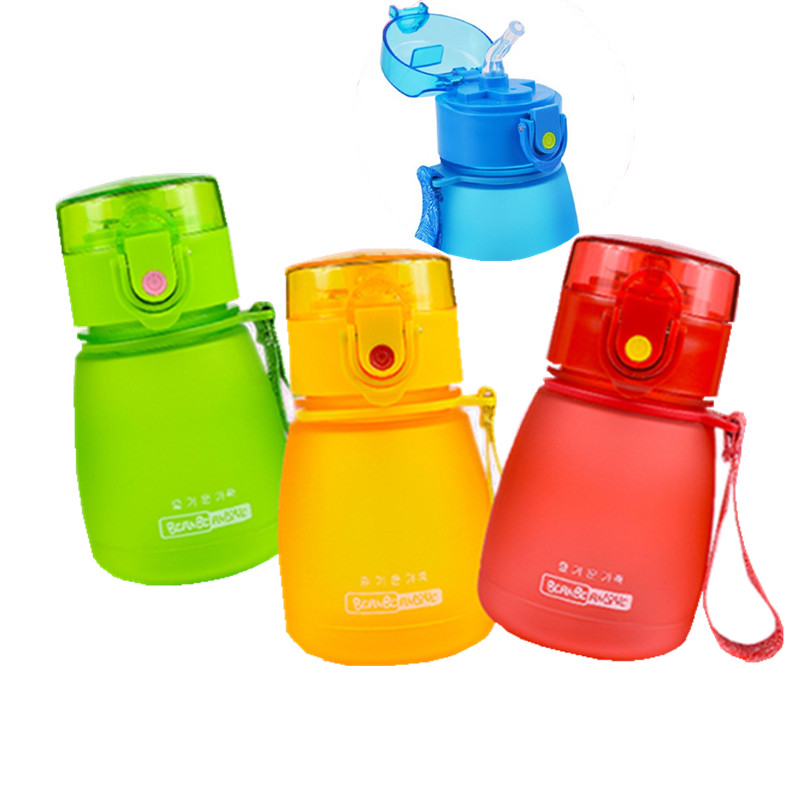 Hot sale 300ml bpa-free plastic straw kettle Children FROSTED kettle my water BABY;s stuff portable bottle with rope