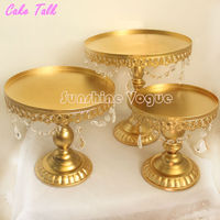 Gold Cake Stand Metal Iron Crystal Pendant Cupcake Stand Wedding Party Decoration Supplier Baking Pastry Cake
