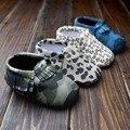 Varejo do bebê leopardo mocassins bebê primeiro Walker Moccs borlas de sola macia criança sapatos calçados infantis bebê