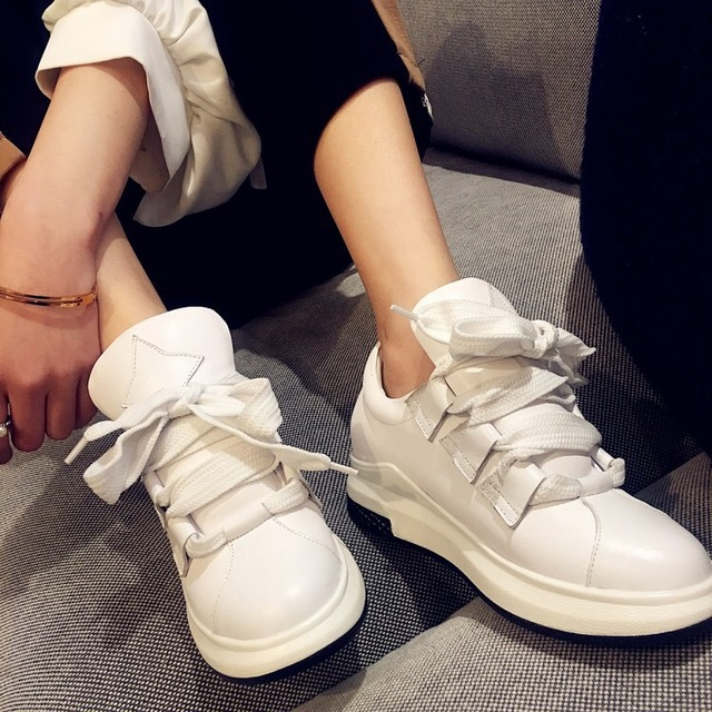 Women Casual Shoes Flats Soft Leather Shoes Breathable Comfortable White Shoes Free Shipping