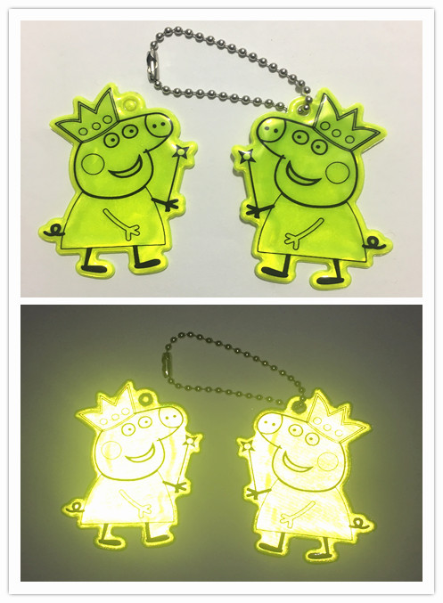 NEW Magic Pig Reflective Pendant Double-sided  Key Bag Accessories Random Selection Improves Night Visibility,free Shipping