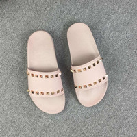 Rivet Thick Bottom Slippers Female Summer 2019 New Fashion Flat Bottom Beach Soft Bottom Sandals and Slippers Fashion Slippers