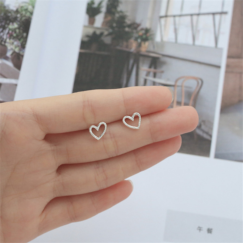 Fashion Simple Style Mini Hollow Heart Shaped Silver Color Stud Earrings For Women Girls Ear Jewelry Birthday Gifts