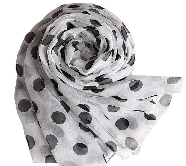 2017 Femmes D'hiver Longue Écharpe Châle Printemps Automne Femelle Blanc Foulards de Soie D'impression D'été 100% Pur Soie Plage Cover-ups Pashmina