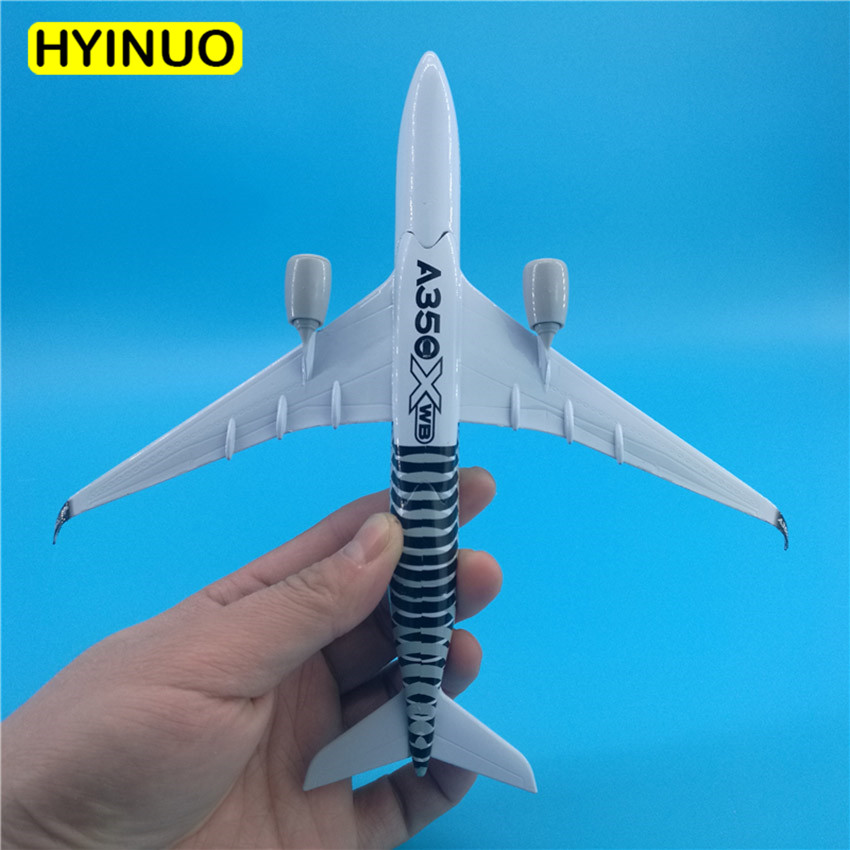 20CM 1:300 Scale Airbus A350 XWB Airlines Airplanes Plane Aircraft Alloy Model Toy Collective Kids Children Toys F Collections