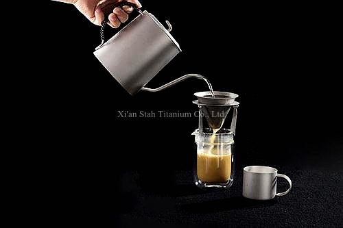 Pure Titanium Enkele Muur 950 ml Koffie Maker 230g + Filter + 3 stks 100 ml Dubbele Wand Mokken 49 g/stk Gezonde Geen nemende Anti corrosie