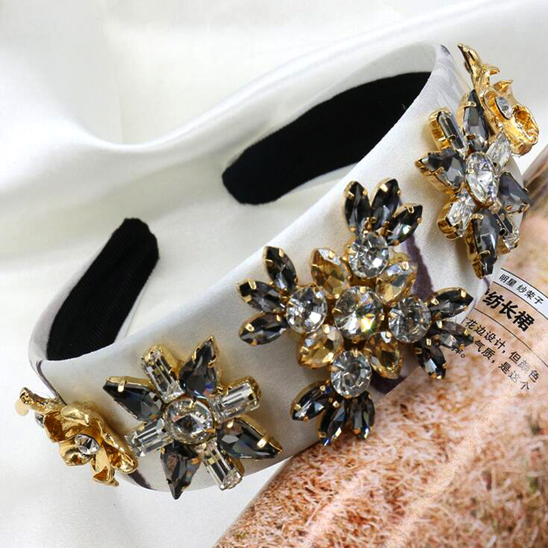 2017 Fashion palace vintage gem crystal flower pearl wide headband women elegant luxury hair accessories high quality metting joura vintage bohemian green mixed color flower satin cross ethnic fabric elastic turban headband hair accessories