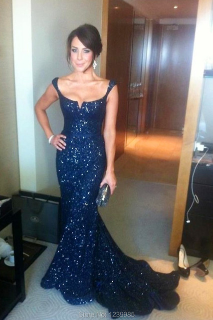 2017 In Fashion Elegant Dark Blue Scalloped Spaghetti Straps Mother of Bride Dresses Sequins Mermaid Evening Party Gowns