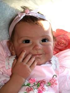Image 2 - NPK חדש הגעה 55 CM באיכות גבוהה מגנטי מוצץ מציאותי בעבודת יד תינוק Alive בנות יפה סיליקון Reborn bebes בובה