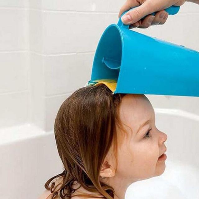 1 pcs Infantil baby shampoo colher xícara de água criança bebê criança shampoo banho de chuveiro shampoo lave cup Soft Flexível Borda Shampoo colher