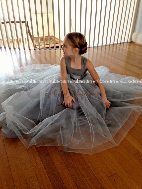 2016 Gray Flower Girl Dresses for Wedding Puffy Ball Gowns first communion dresses for girls pageant dresses Kids Evening Gowns new white ivory flower girl dresses for wedding 3d flowers puffy tulle with big bow girls first communion gowns