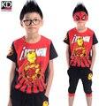 2016 Crianças Novas Roupas de Verão Esportes Roupa para Menino Esportes Dos Miúdos terno de Algodão de manga Curta T shirt calças de meia Homem De Ferro Conjunto