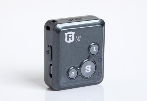10 Unid mini RF-V18 GSM en tiempo real Tracker comunicación bidireccional de audio alarma SOS sin caja