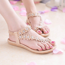 2019 Summer New Beaded Rhinestone Flat Sandals Female Bottom with Bohemian Student Clip Toe Beach Shoes Womens Sandal