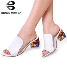 867abf28ed BONJOMARISA 2019 Marca o Verão Tamanhos Grandes 34-41 Coloridos Mulas  Mulheres cristais de Strass Saltos Mulheres Sapatos de Ver.