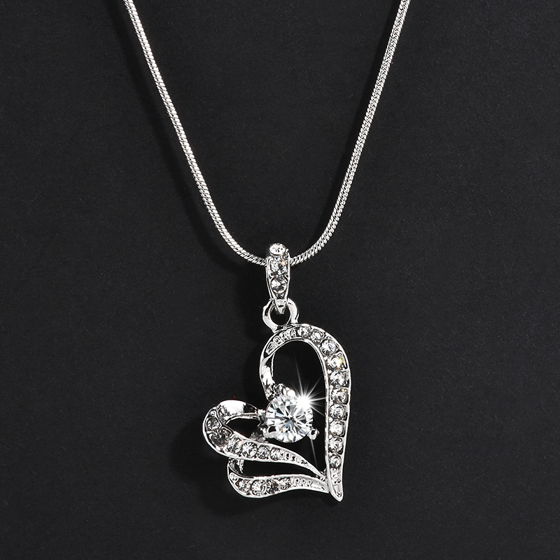 2017 New Fashion Plate Silver Heart Crystal Rhinestone Long Chain Pendant Necklace Jewelry For Women Gift
