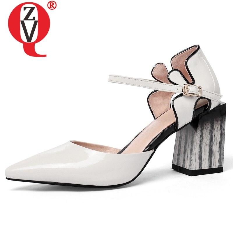ZVQ Genuino della mucca di Cuoio della donna Sandali 2019 di estate bianco nero Misto di Colori Del Fiore 7.5 centimetri Alti Talloni delle donne di Nozze scarpe-in Tacchi alti da Scarpe su  Gruppo 1