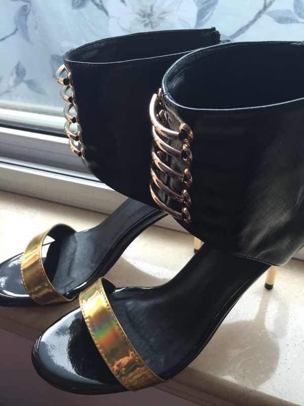 New Cinturini Alla Caviglia Estate Sandali con tacco alto Punta Rotonda Stileto Talloni Delle Donne Squisito Banchetto Vestito Da Partito Scarpe Sandali Sexy