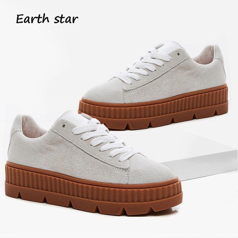 1de0a359cd83e3 Respirant Peau Mode Chaussures De Sneakers Porc Casual Femmes blanc Automne  Terre Femelle 2018 Lady Gris Marque Chaussure Blanc Étoile ...