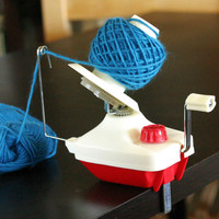 Hand held Yarn Wool Winder and Ball Support Fiber Yarn Winder Knitting Yarn Craft Sewing Tool