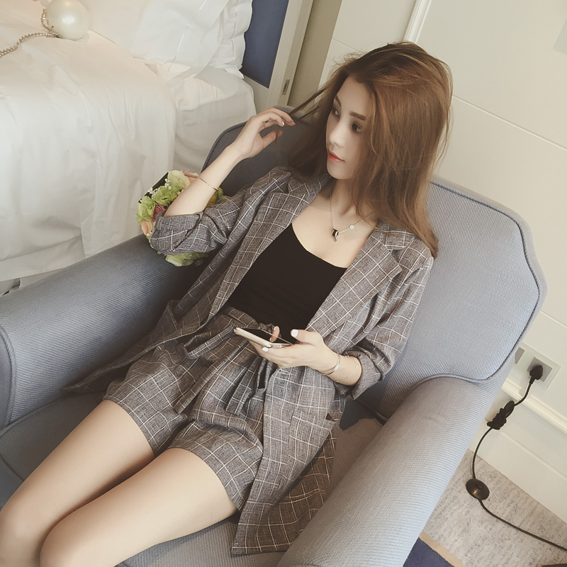 Women's suit women's fashion seven-point sleeve plaid jacket with shorts two-piece women's wide-leg pants spring and autumn new