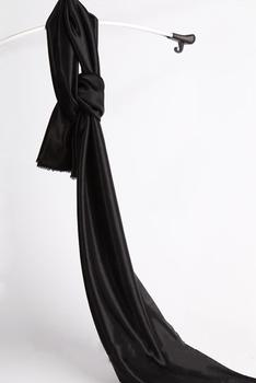 Czarny kolor lodu jedwabiu tkaniny wykorzystywane do tło kurtyny i inne dekoracje ślubne tanie i dobre opinie Okno 100 jedwabiu Zwykły Plisowana 22S-UUY11 SHENGXuntex