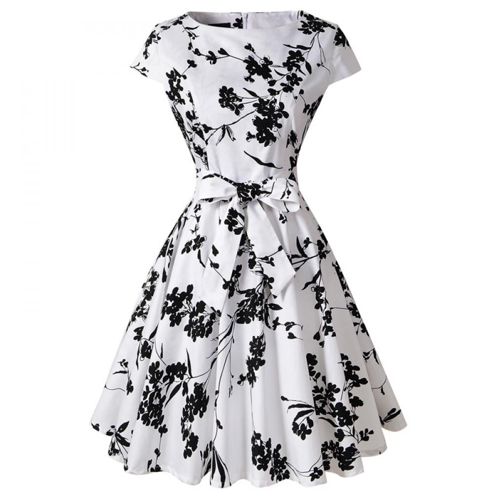 2019 spring and summer new women's Julie Hepburn retro white black flower waist slimming dress Beach dress