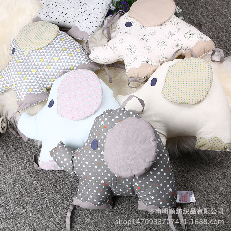 Hot Sale 6Pcs/Lot Baby Bed Bumper in the Crib Cot Bumper Baby Bed Protector Crib Bumper Newborns Cartoon Toddler Bed Bedding Set teddy in bed