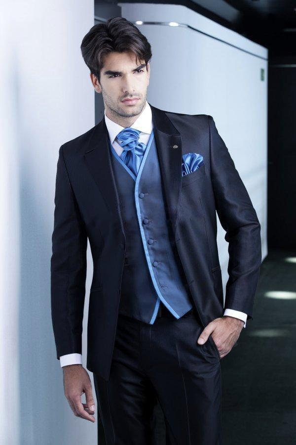 New Arrival Two Button Navy Blue Groom Tuxedos Groomsmen Mens ...