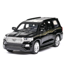 цены 1:32 Car Model Diecast Metal Toyota land cruiser Off-Road Vehicle Alloy Toy Car Sound Light Door Pull Back Car Collection Gift