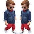 Ropa del Bebé Ropa Del Muchacho Fija Gentleman Traje de Los Muchachos Del Niño Sistema de la ropa de Mezclilla Tie Tops + pantalones rojos 2 pcsChildren Ropa conjunto
