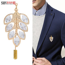 SHEEGIOR Bella Strass Spilla Pins Mens Badge Gold Argento Hollow Foglie Collare Spille per le Donne Gioielli di Moda(China)