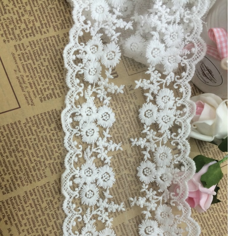 Wholesale Price 12cm Wiidth 15yardspack Small Flower Lace Trim