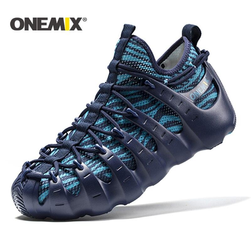Onemix 2017 uomini sandali da spiaggia pattini di Roma gladiatore scarpe set di luce fredda scarpe da outdoor a piedi calzino-come il pantofola da jogging scarpe